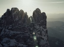 Highlining 2800m in winter